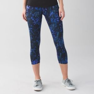 Lululemon wunder under crop II floral iris